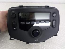 Peugeot 108 autoradio gps bluetooth autoradio gps android camera de recul commande au volant ipod tv dvbt 3g 4g pas cher wifi