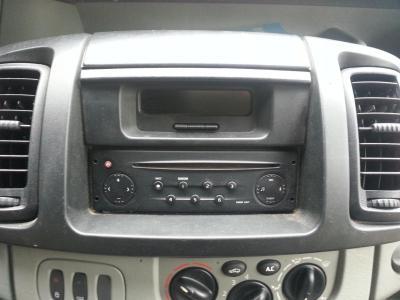 Renault trafic 1 2 3 autoradio gps bluetooth autoradio gps android camera de recul commande au volant ipod tv dvbt 3g 4g pas cher wifi