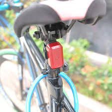 LAMPE TRACEUR GPS ESPION pour véhicules, moto, scooter,vélo,chien,chat,enfant ou personne âgée